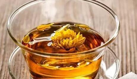 甘草菊花茶功效有哪些?长期喝对身体有益处吗?