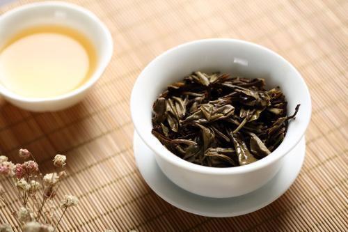 2021年福鼎白牡丹茶饼价格,白牡丹茶多少钱一斤?